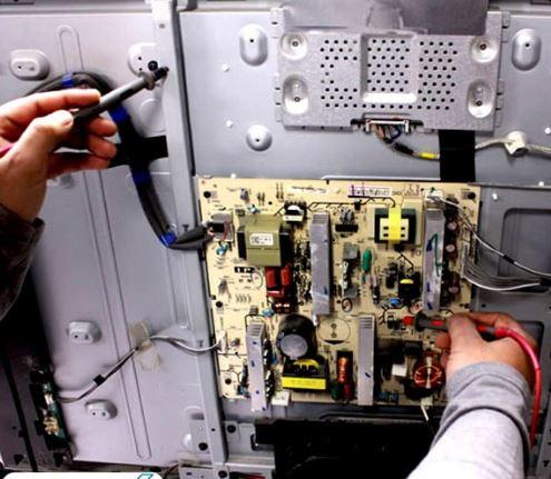 تعمیر آبخوردگی پنل تلویزیون